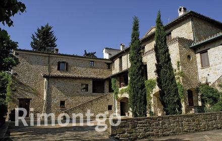 Apartments and homes for sale in Camerino, Marche, Italy