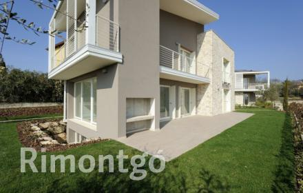 Apartments and homes  for sale in Garda Lake, Veneto, Italy