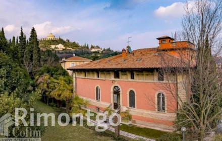 Villa for sale in Verona City, Italy