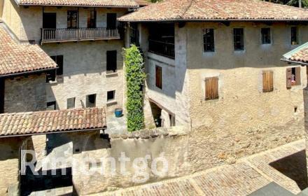 Apartments and homes for sale in Gentilino, Ticino, Switzerland