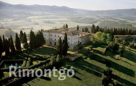 Apartments and homes for sale in Casole d'Elsa, Tuscany, Italy