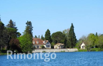 Apartments and homes  for sale in Bordeaux, Gironde, France